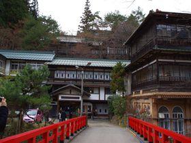 ジブリ作品のモデルになった、日本最古の湯宿建築  四万温泉「積善館」
