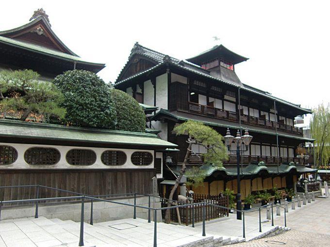 道後温泉本館は正面だけじゃない!一周して歴史的建造物を観光しよう!