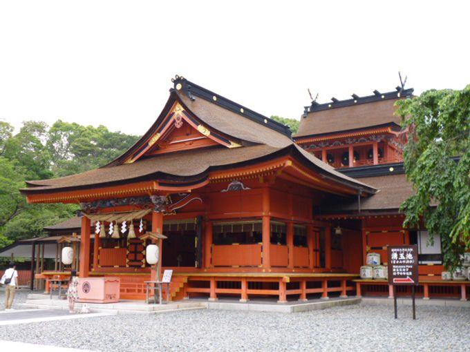 世界遺産「富士山本宮浅間大社」の壮麗な本宮・奥宮に向かい開運祈願