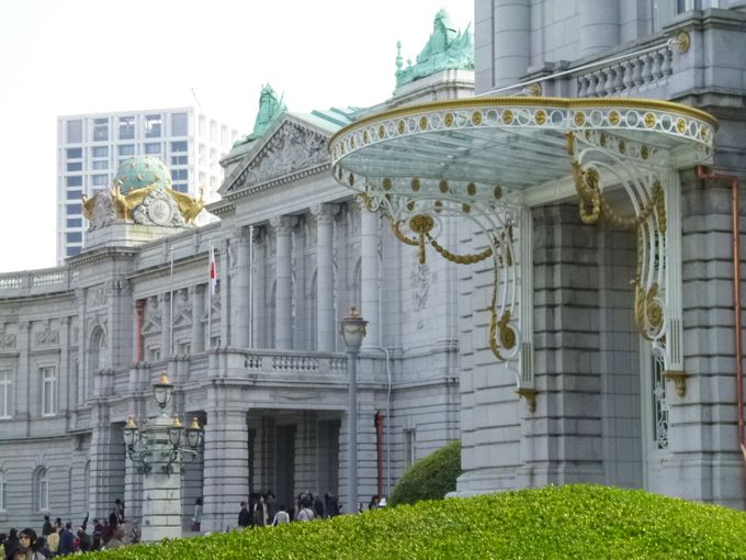 迎賓館赤坂離宮の年2回の一般公開・参観の後は四谷散歩も楽しんで!