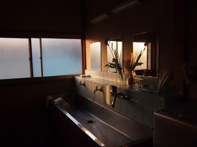 洗面所やトイレは共用、お風呂は徒歩1分の直島銭湯へ行こう