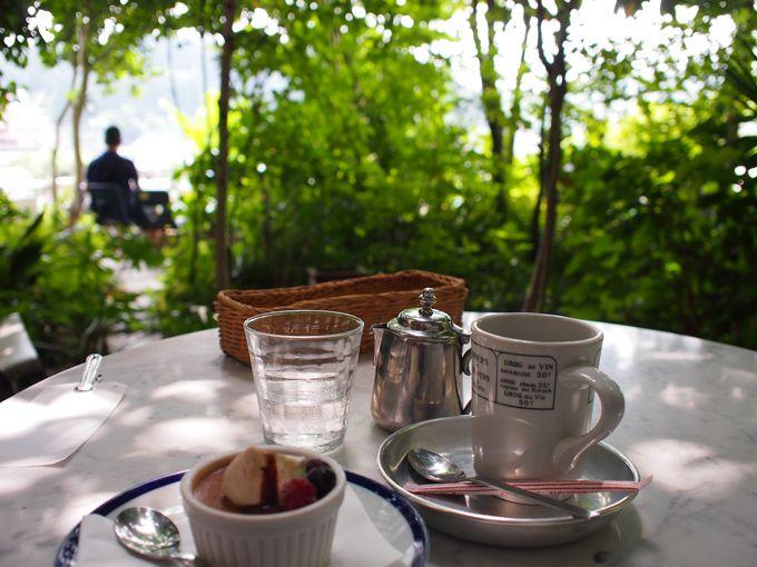 広瀬川を見下ろす岸辺の名店「カフェ・モーツアルト」