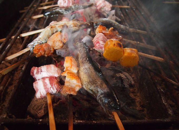 ランチは「山麓園」築150年の古民家で炉端焼き料理とほうとうを満喫