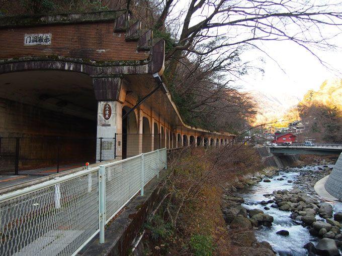 土木遺産の千歳橋、函嶺洞門、旭橋と巡れば、箱根湯本へ