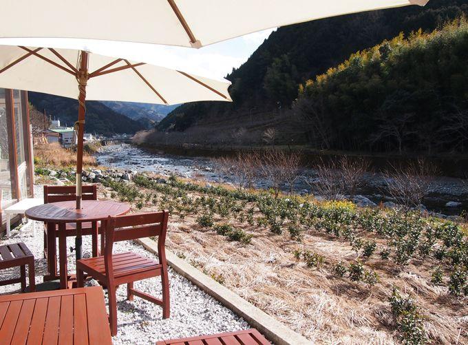 ちょっと休憩!仁淀川ブルーを臨むお洒落カフェ「池川茶園」