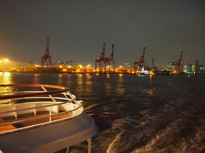 恋人の聖地、シンフォニーの恋人岬「ロマンスバルコニー」工場夜景も楽し