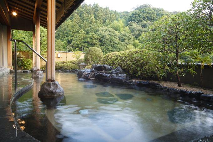 神の湯に浸かる!最上階の展望風呂「天遊の湯」、女性には低温サウナも