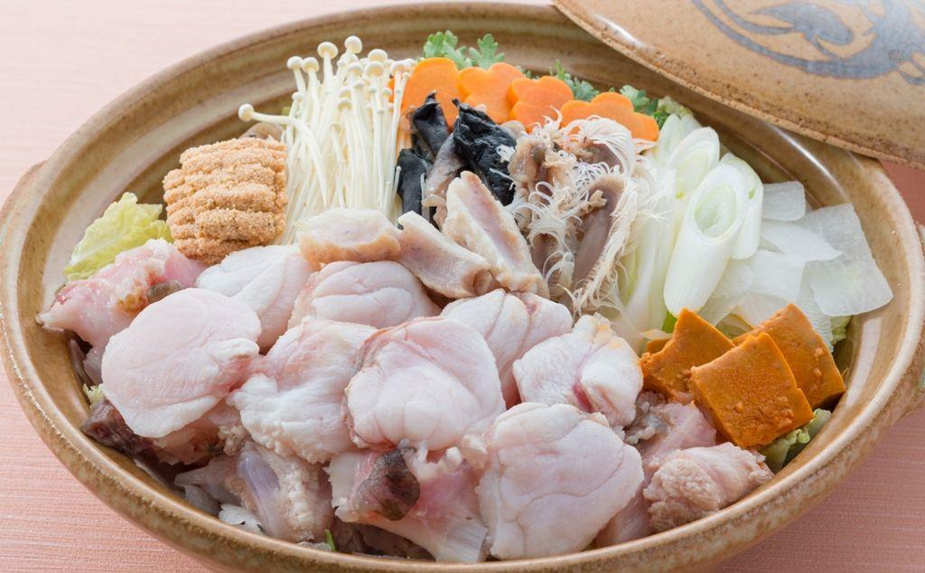 冬は茨城・大洗名物のあんこう鍋、毎夕ロビーでつるし切り実演も