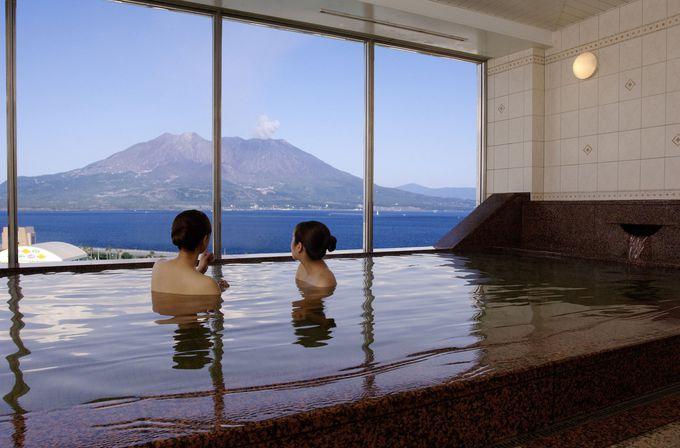 7色に変わる桜島の眺めをホテル最上階の展望温泉から楽しみたい