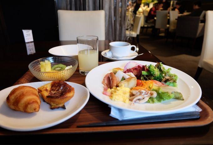 女子に嬉しい色鮮やかな野菜たっぷりなヘルシーで美しい朝食!