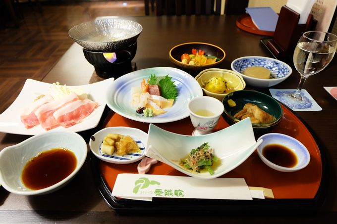 魅力3.夕食は選べる「和膳スタイル」と「かまどダイニング」
