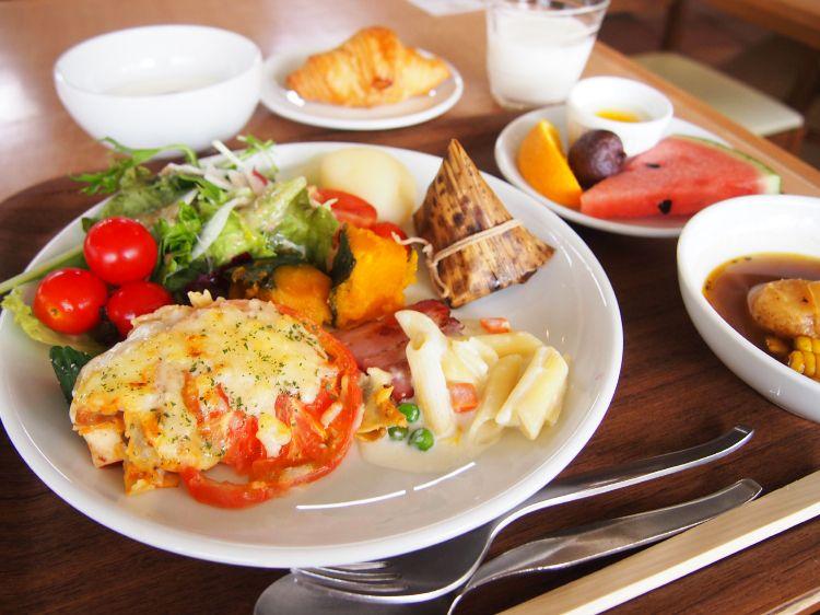 朝食バイキングは北海道らしい食材や料理がいっぱい!