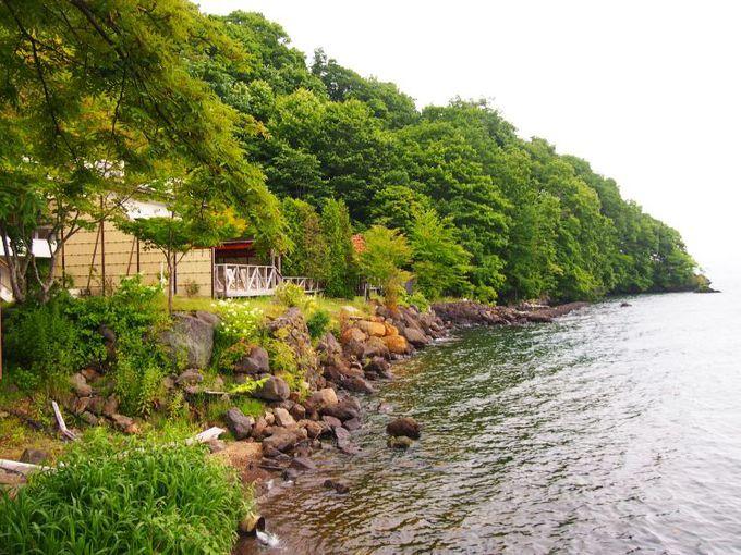 支笏湖を眺め入る秘湯、足元湧出湯の天然露天風呂も
