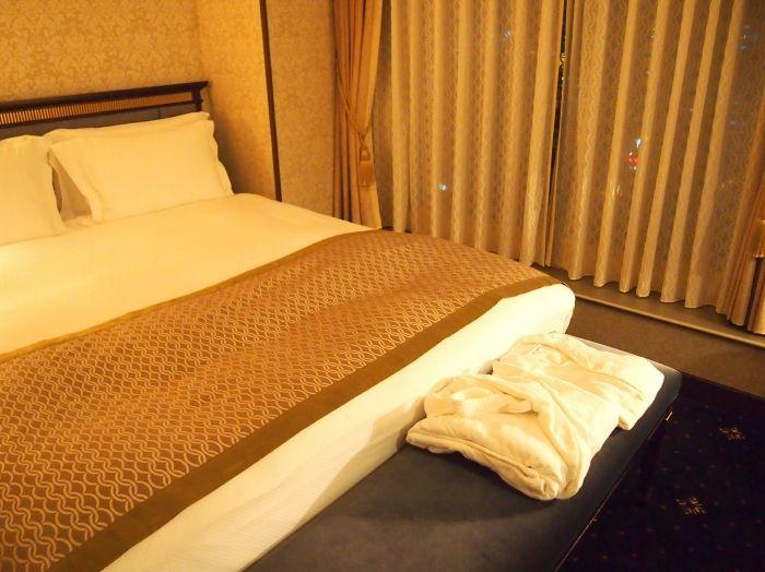 ホテルオリジナルパジャマにウォークインクローゼットも