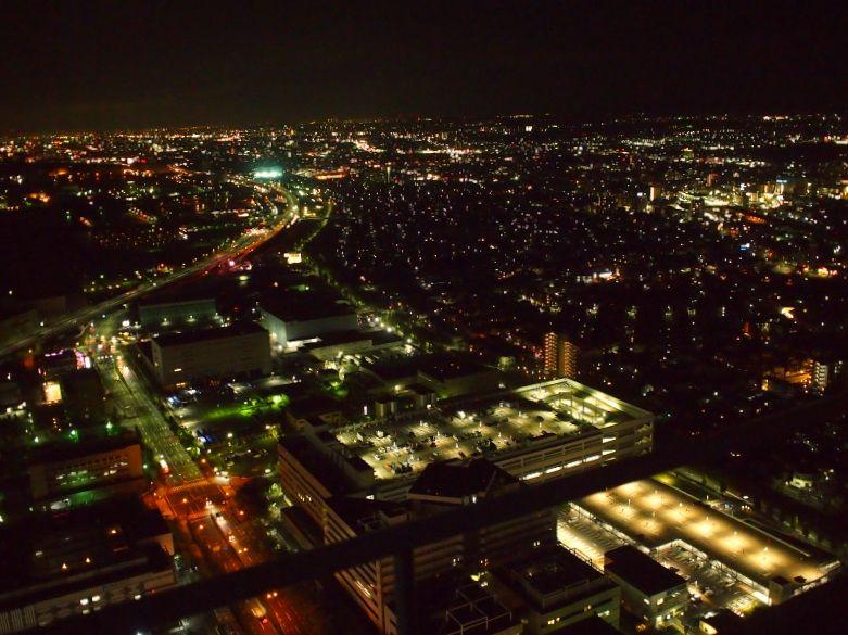 高層階ならではの眺望、さえぎるもののない景色、夜景も