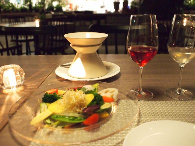 素材にこだわるレストラン、道産のお酒のラインナップも充実