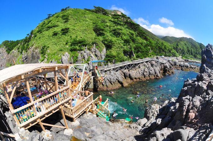 海と山、絶景の宝庫!東京・神津島の魅力と楽しみ一挙紹介