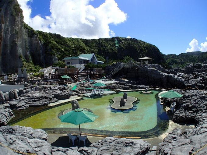 温泉あり、グルメありのリゾートアイランド