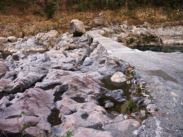 高知最古の沈下橋「久喜橋」