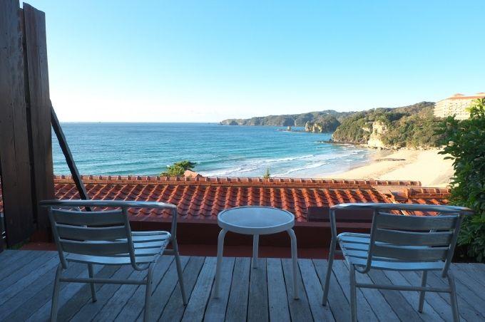 全長450mの美しきビーチ、多々戸浜を一望!