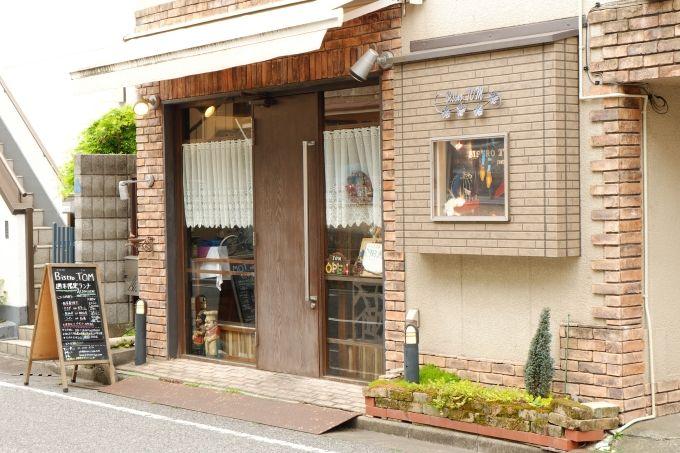 人気のカフェ&レストラン、絶品焼き菓子のベイクショップも