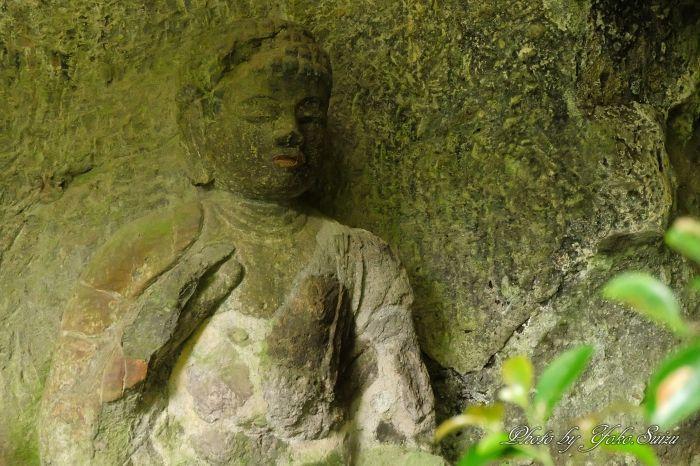 隠れ地蔵とも呼ばれる「山王山石仏」