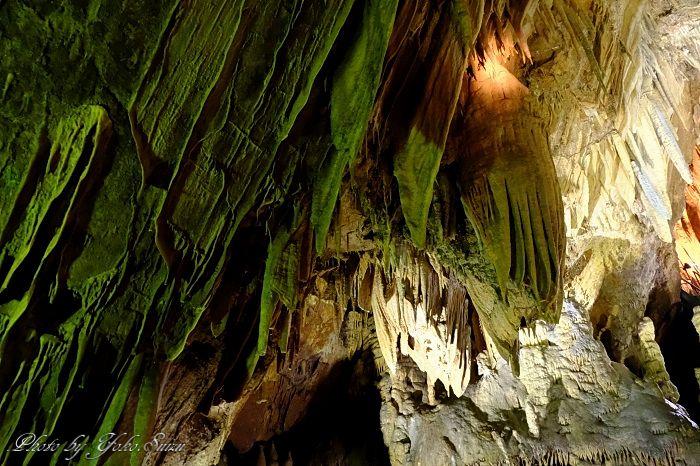 21もの見所、神秘的な地底世界を堪能
