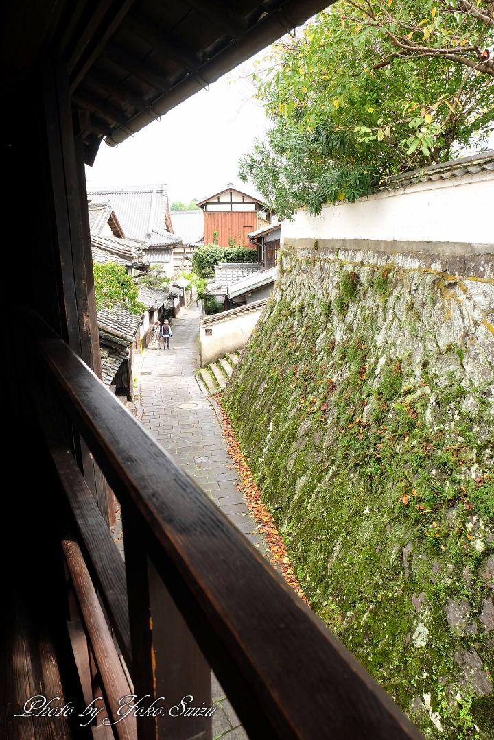 旧真光寺の2階からは二王座を一望