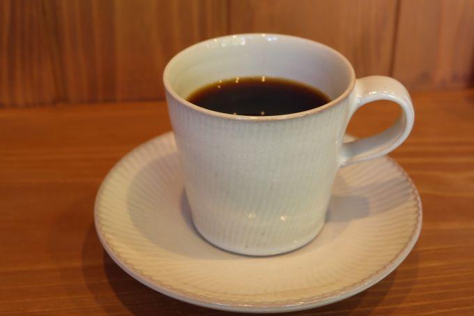 おしゃれな「カフェ&パティスリー ジョンヌ」