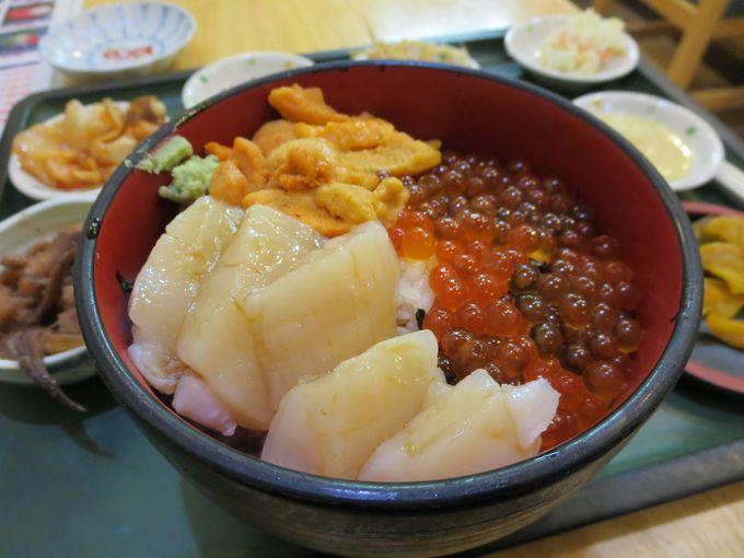 『函館朝市』の海鮮丼。