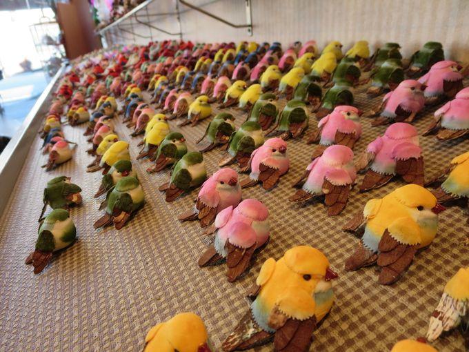 並ぶ鳥たち。
