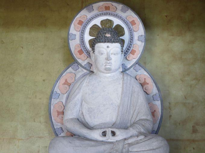 2.勝楽寺の白仏
