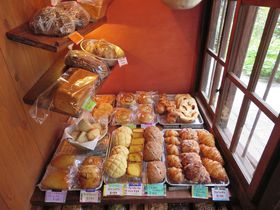 パン屋航路にネコノテパン工場、尾道のパン屋さんは味もネーミングセンスも抜群!