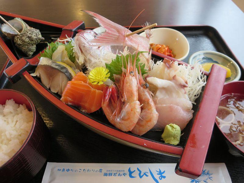 酒田港「海鮮どんや とびしま」は一人前でも舟盛り!庄内地方で食べたいご当地グルメ5選
