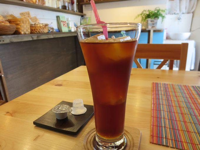 カフェでのんびり。