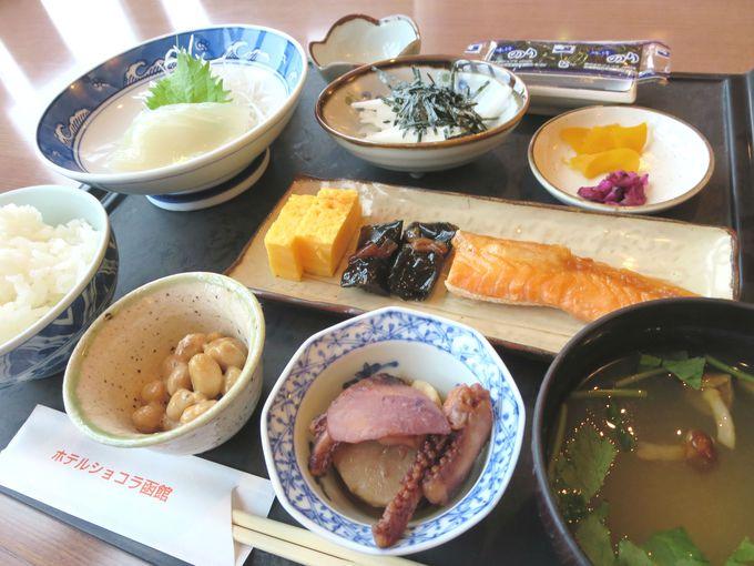 和食か洋食の朝定食。