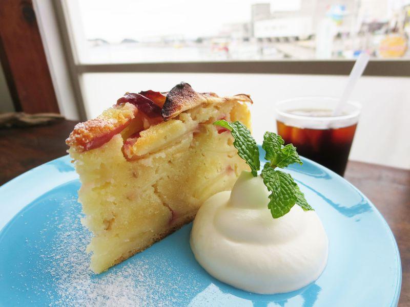 もちふわ「ミサキドーナツ」に漁港前の「雀家」まで、三浦三崎はマグロだけじゃなくカフェも充実!