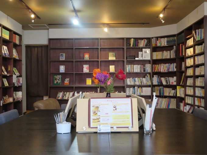 町の本屋さんの雰囲気を味わう。