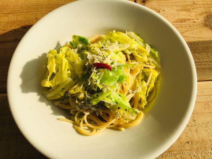 お料理は三浦の新鮮野菜や魚介類がいっぱい