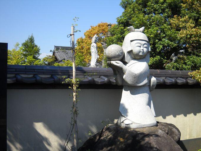 「昌松寺」の人形供養塚