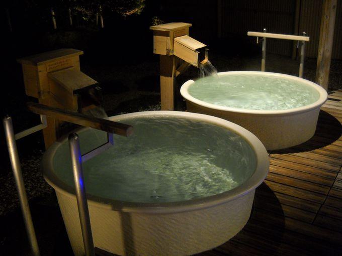 「露天かめ風呂」の溢れ出る湯!独り占め!