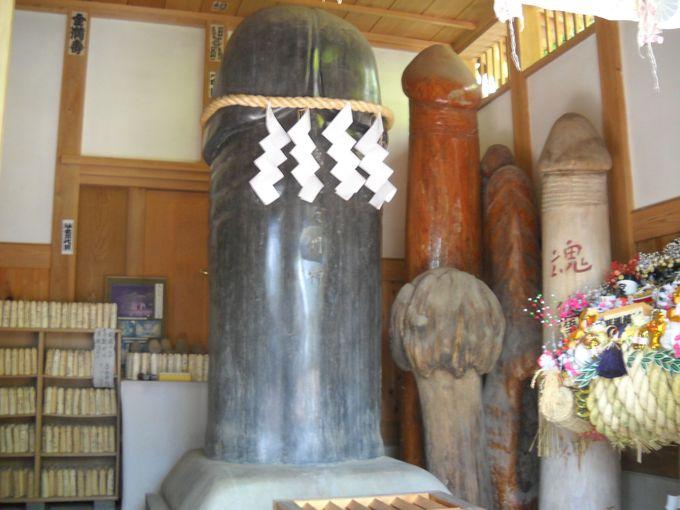 日本一の男性シンボルが、祀られる「魂生神社」