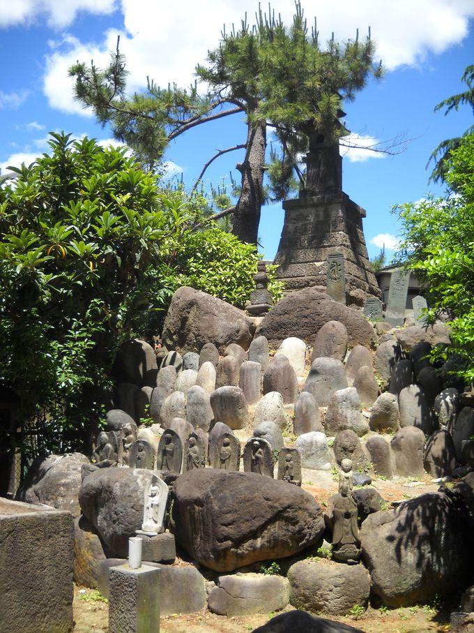 「首塚」と「七重の石塔」
