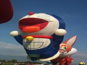 本物の熱気球と佐賀のグルメを楽しむ
