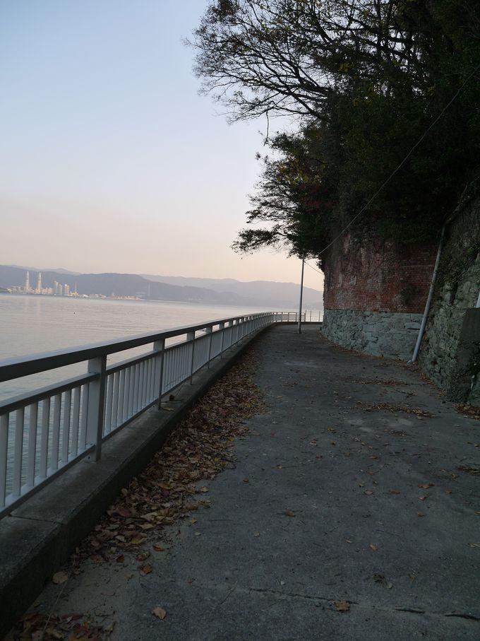 海と空を独り占め!遊歩道を行けばビーチが点在