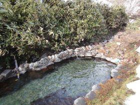 温泉の川を堰き止めた野趣あふれる露天風呂 大丸温泉旅館(栃木県)