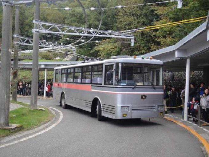 地下を走る関電トロリーバス(扇沢→黒部ダム)