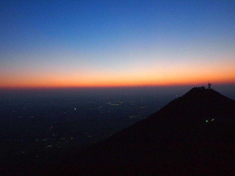 夕暮れから夜景を楽しむ筑波山ロマンチック登山