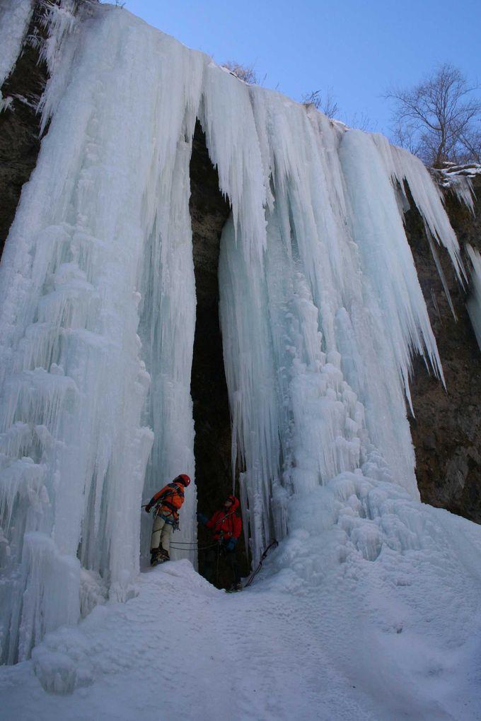 大自然が創りだす氷の彫刻
