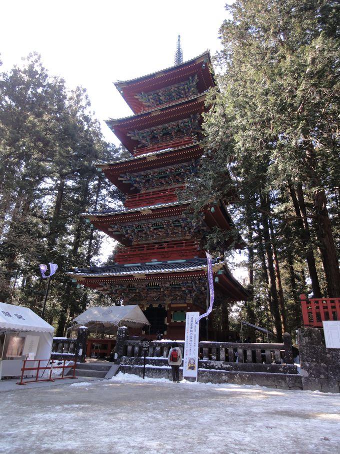 美しく、しなやかな免震システムの五重塔